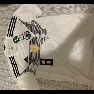 Brand New Adidas Germany World Jersey XL Kroos